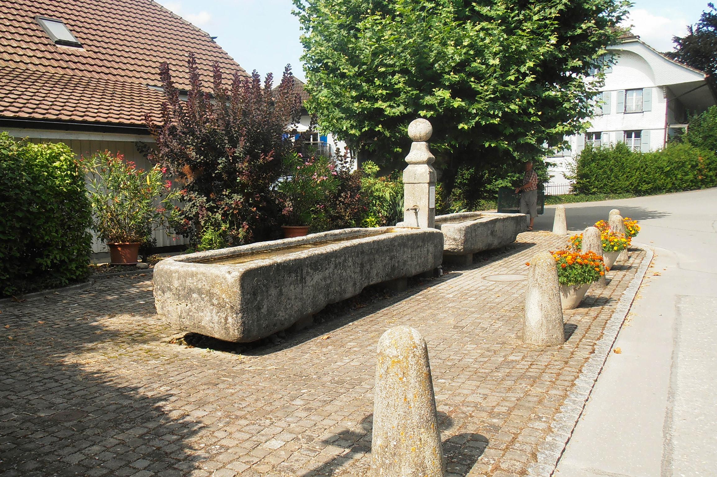 Brunnenplatz, 3284 Fräschels