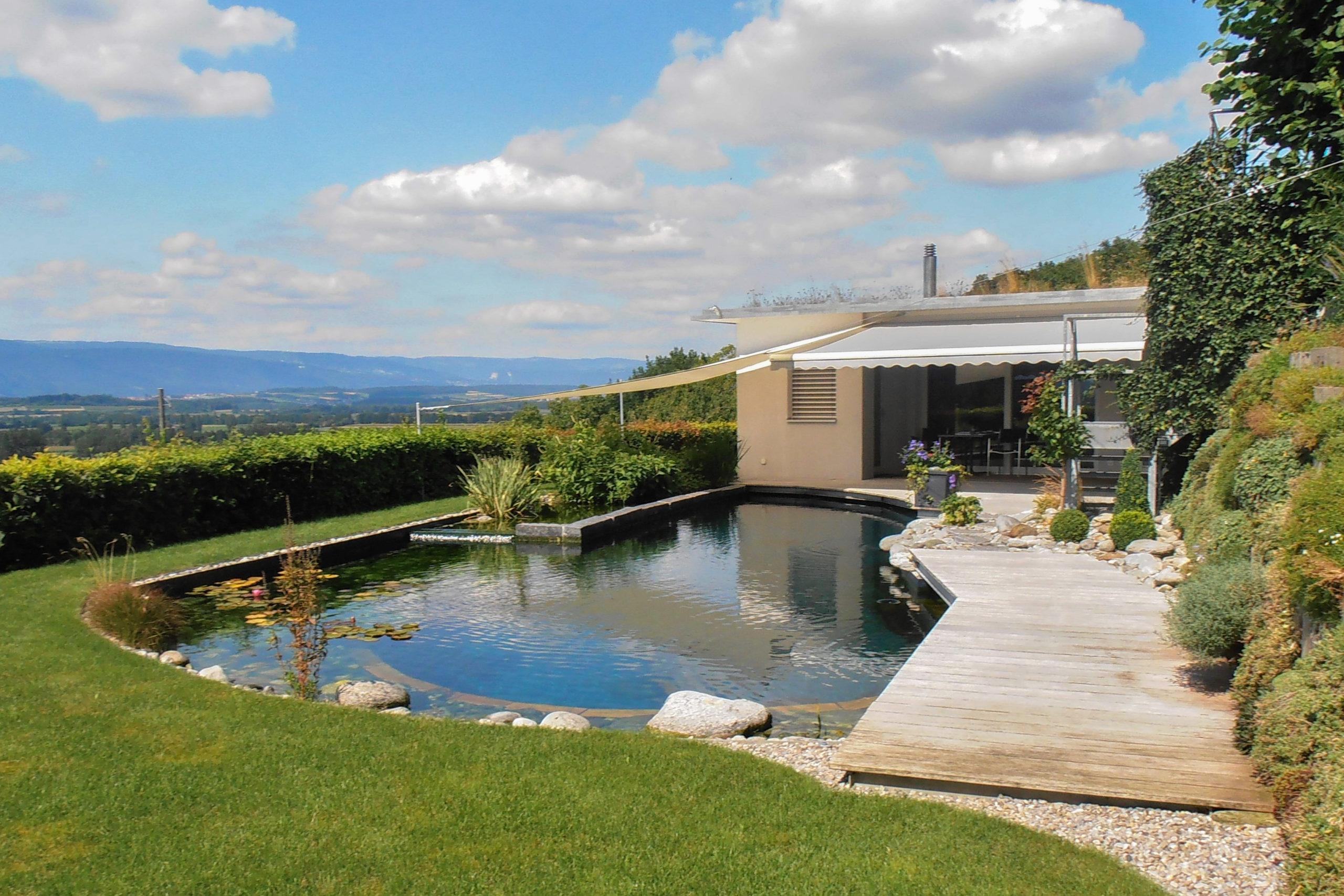 Gartenhaus mit Fisch- und Schwimmteich, 3284 Fräschels